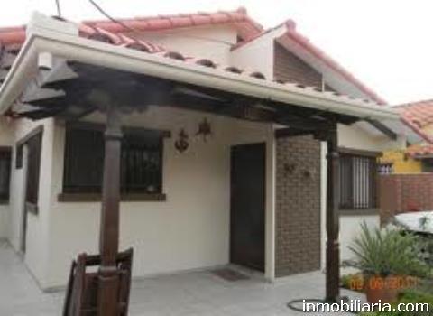 D lares casa en santa cruz en venta por viaje for Casa la mansion santa cruz bolivia