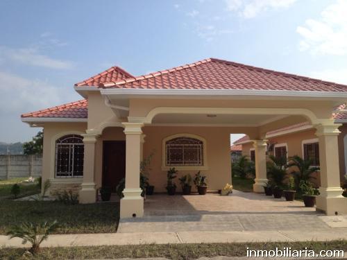 Imagenes De Baños Residenciales:Casa en San Pedro Sula en Venta, Residencial Villas Monserrat, 138 m2