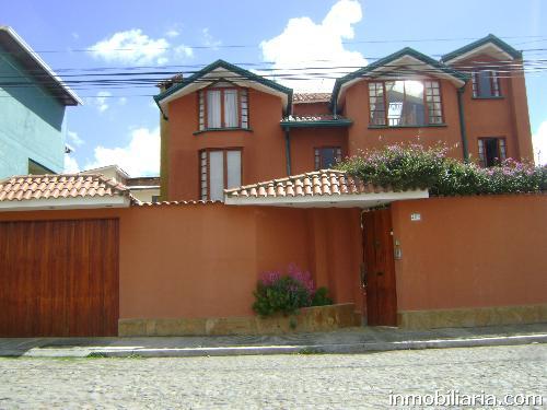 D lares casa en la paz capital en venta zona for Casas minimalistas la paz bolivia